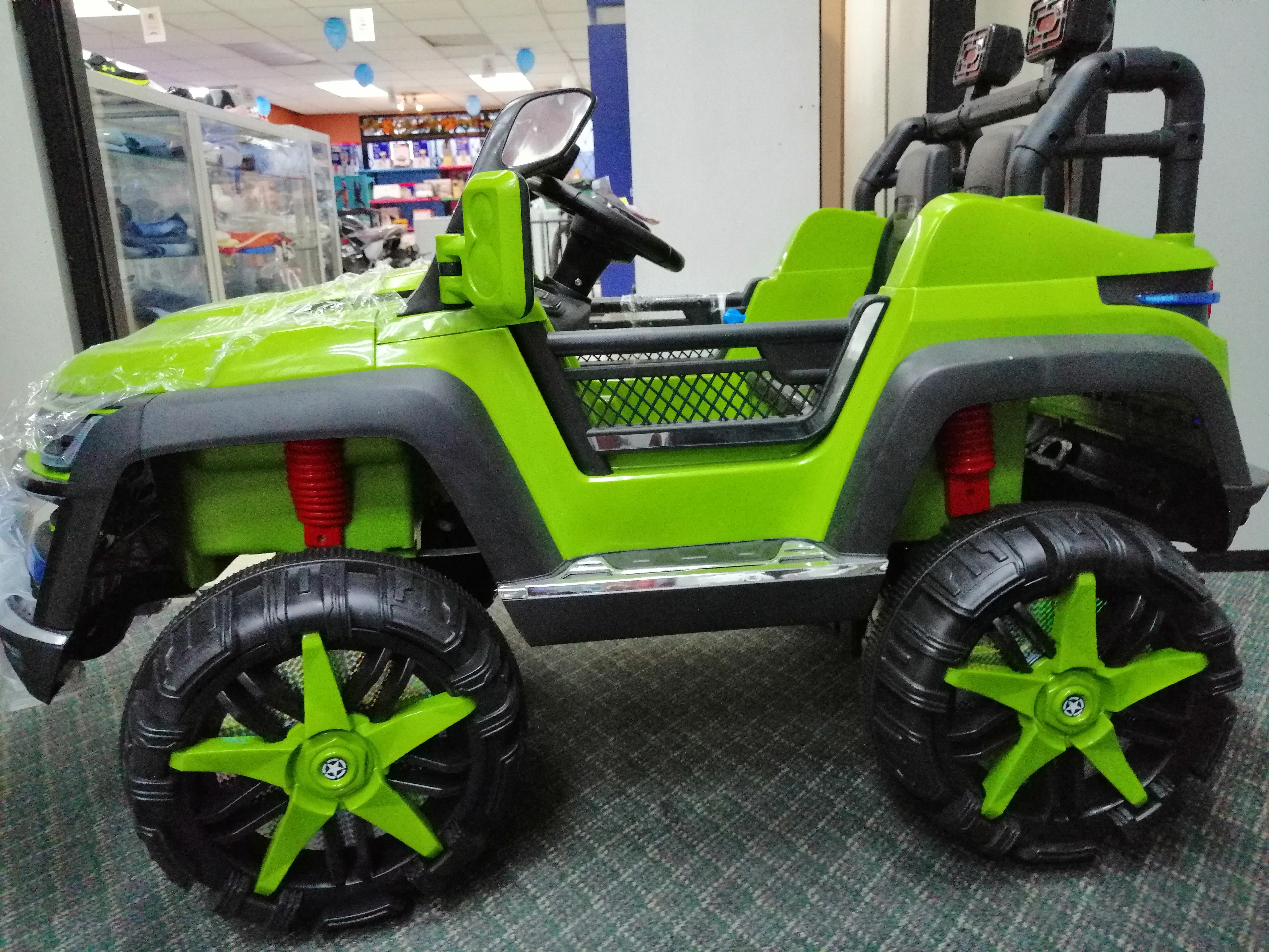 Carro grande a batería verde